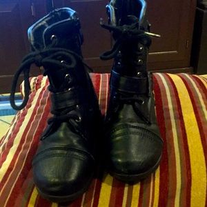 Josmo size 7 boots good condition
